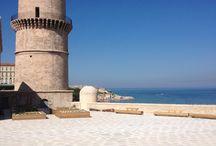 Groupe SOLS - Aménagement du Fort Saint Jean / Fort Saint jean Marseille - Béton bouchardé avec incrustation de briques rouges et Béton bouchardé avec incrustation de pierres