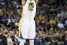 Golden State Warriors / A Golden State Warriors amerikai profi kosárlabdacsapat, amely az NBA-ben játszik. Székhelyük a kaliforniai Oakland.