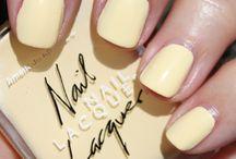 nails / by Haley Blackburn