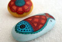 Painted Stones/Rocks / by Leola Butcher