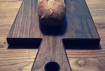 """Spessartbrett Servier- u. Tapasbrett """"Karlshöhe"""" / Hier findet Ihr Fotos und Infos zu unserem Spessartbrett """"Karlshöhe"""", dem Servier- und Schneidebrett aus Nussbaumholz. Natürlich Vollholz, natürlich aus dem Spessart, natürlich made in Germany, natürlich mit Leinöl behandelt."""