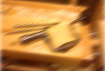 Like Ved - En norsk blogg om å arbeide med tre / Like Ved er en norsk blogg om hobbysnekring og om å arbeide med tre. Her finner du mine prosjekter og arbeider, tips og triks, inspirasjon, teknikker, verktøybruk og mine tanker rundt trearbeid som hobby. Jeg er spesielt glad i håndverktøy, og bruker ganske få, enkle verktøy til prosjektene mine.  Du finner bloggen på http://likeved.forøysund.net