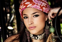 How to Easily Rock Ethnic Style / Check out simple outfit ideas on how to wear ethnic style!