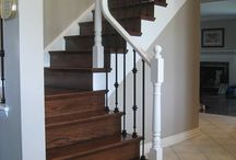 Professional Staircase Finishing and Refinishing / We offer professional hardwood staircase finishing and refinishing.