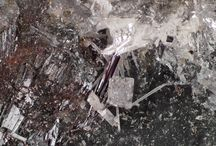 Antimonites / Apuanite, Derbylite, Schafarzikite, Stibivanite, Versiliaite