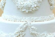 Wedding cakes & dresses / All white