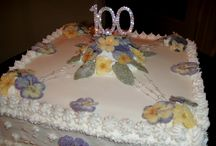 Customers Creations / Customers pictures of their creations using Meadowsweet Crystallised flowers>