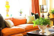 Nagyszoba / sárga-narancs-zöld-barna enteriőr