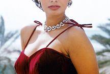 Sophia Loren - Classic Beauty