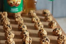 Peanut Butter Snack Bites / by Suzi Fevens