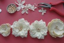 Blomster av stoff / Blomster jeg vil lage til kjoler, hår, m.m.
