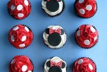 cupcake and cake inspiration / by JANIS BLAKE