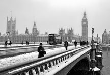 It's snowing in London / Have a white Christmas and New Year in London. We provide a number of tours to suit all areas of interest and tour hours can range from 3hr, 4hr and half day and full day upon request, we pick you and drop you back to your accommodation. - Call +44 (0) 208 897 0000, +44 (0) 208 897 0888
