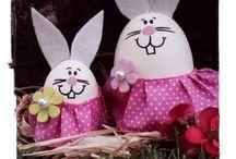 Coniglio di Pasqua con uova di polistirolo / Coniglio di Pasqua con uova di polistirolo