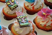 cupcakes deco / by Mel Vo