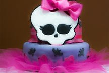 monster high tortas / by Lolis Morales