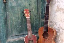 """Don Ukulele / """"Tutti dovrebbero avere e suonare un Ukulele, è molto semplice portarlo con te ed è uno strumento che non puoi suonare senza ridere! E' molto dolce e anche molto antico. Chiunque io conosca che possiede un Ukulele è un 'matto'. Quindi prendetene un po' e divertitevi."""" George (Keoki) Harrison"""""""