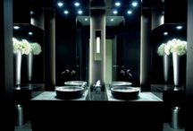 Amazing Bathroom Lighting Ideas / Choosing the lighting scheme for your bathroom could sound like an easy job but it depends on the style you want to have in your bathroom. Here you can find a selection of the most amazing banthroom lighting ideas to get inspired. Take a look!