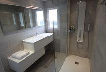 Meubles décalés pour salle de bains / Des meubles en décalé sur mesure pour salle de bains modernes et design !