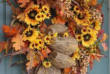 Fall Harvest Wreaths / Fall wreath arrangements for Autumn decorating