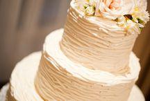 Wedding Cakes / by Lexi Radomile