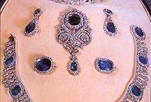 Tiare e gioielli