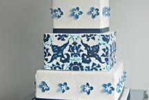 Navy blue wedding inspiration / Navy blue wedding ideas for inspiration.