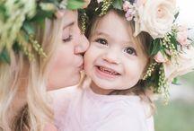 мама дочь цветы