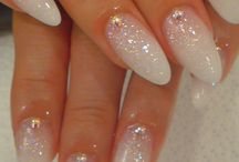 Nails / by Noëmie Bertolati