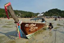 Koh Phi Phi / Koh Phi Phi Don a jeho mladší bráška, kde se natáčel film The Beach.