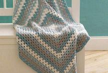 Crochet / by Shera Berlin