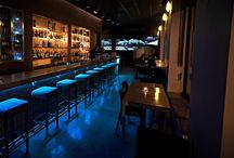 Los espacios del bar! / Diseño y ambientación de Caracas Bar.