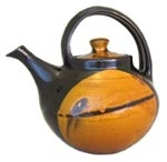 Pots, vessels, and things that hold stuff - Teapots/kettles/pitchers / by Suzanne Sadler