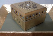 Hediyelik kutu / Alüminyum folyo kabartma tekniği ile yapılmış hediyelik kutu