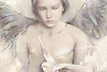 Met vleugels... / by Esther Kloddertje verf