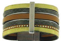 Les folles Saisons / Bijoux LES FOLLES SAISONS : des manchettes ou bracelets en cuir. De la couleur et du style. Création française.