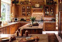 Итальянские кухни / Деревянные кухни