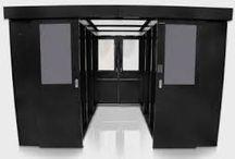 coating vloer computerruimte / Het coaten van de vloer in een computerruimte beschermt tegen stofophoping. Wanneer er een verhoogde vloer in de computerruimte wordt geplaatst is de betonnen vloer uit het zicht. Zorg ervoor dat de toplaag van de betonnen ondervloer van een beschermende coating voorzien is voordat de verhoogde vloer wordt geplaatst. De toplaag van verhoogde vloer vloerpanelen kan linoleum, epoxy-coating, hout, PVC en van glas zijn. Betonnen ondervloer computerruimte coaten? Wij zijn u graag van dienst.