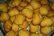 Νηστίσιμα μπιφτέκια, κουλουράκια και γλυκά