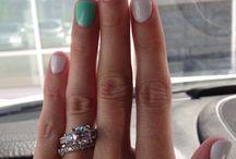 Nails, nails and more nails / by Maria Pamela Ortiz