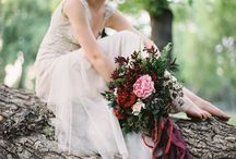 Burgundy Weddings / Want an alternative to the traditional red? Why not choose the romantic hue of deep burgundy or garnet?