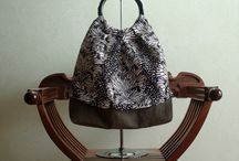 Flora bag / Flora bag : in linen and deluxe organza mix with silk, handled bag in wood, inside linen with two pockets.