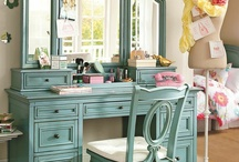 dressing tables / by Melissa Gibson