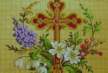 Σταυροί κεντημένοι με σταυροβελονιά. / Μια πολύ όμορφη συλλογή απο το διαδίκτυο με θέμα τον σταυρό της Χριστιανικής θρησκείας.Μπορείτε να κεντήσετε για την Αγία Τράπεζα,για την Ωραία πύλη,για προσκυνητάρια και για το σπίτι σας.Αν έχετε κάποια απορία σχετικά με τα υφάσματα κλπ,τηλεφωνήστε μου. Γιούλη Μαραβέλη-Χαλκίδα. Τηλ:22210 74152.