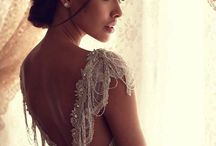 Wedding Dresses, accessories & Decor