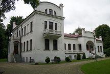 Kraczewice Prywatne - Pałac / Pałac w Kraczewicach Prywatnych wzniesiony w 1913 r. przez Henryka i Władysława Gerliczów. Podczas II wojny św. pałac został zajęty przez Wermacht, a Gerliczowie zostali zmuszeni do opuszczenia Kraczewic. Po wojnie w pałacu mieściły się Gromadzka Spółdzielnia Samopomoc Chłopska, biura, sklepy, a nawet mieszkania prywatne co doprowadziło do kompletnej dewastacji wnętrza budynku. Od 1988 r. w pałacu działa Dom Muzyki.