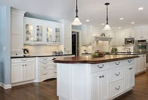 Kitchen Remodelling Ideas & Prices / Find inspiration and prices for remodeling your kitchen with Homesace. From kitchen remodeling, kitchen designers and outdoor kitchen construction cost,  Homesace.com covers the design and cost information whatever the kitchen remodeling project.