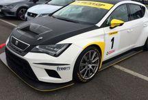 Seat Leon Cupra: 280CV di emozioni, foto, video e test drive in pista