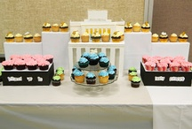 Cupcake Displays / Beautiful DIY and store bought cupcake stands and displays. Inspiration and tutorials on how to display your edible works of art. Great for parties, holidays, and special occasions.