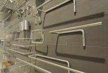 Accessori da bagno / Accessori in acciaio per il bagno, specchi contenitori, specchi ingranditori, piantane portasapone, portaasciugamani....